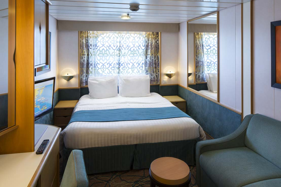 royal-caribbean-enchantment-of-the-seas-esterna-spaziosa
